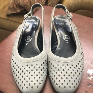Ana Perforated Gray Sling Back Sandal Sz 8